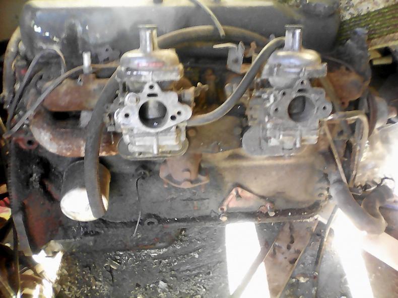 1 st B30 motor med förgasare dubbla stromberg