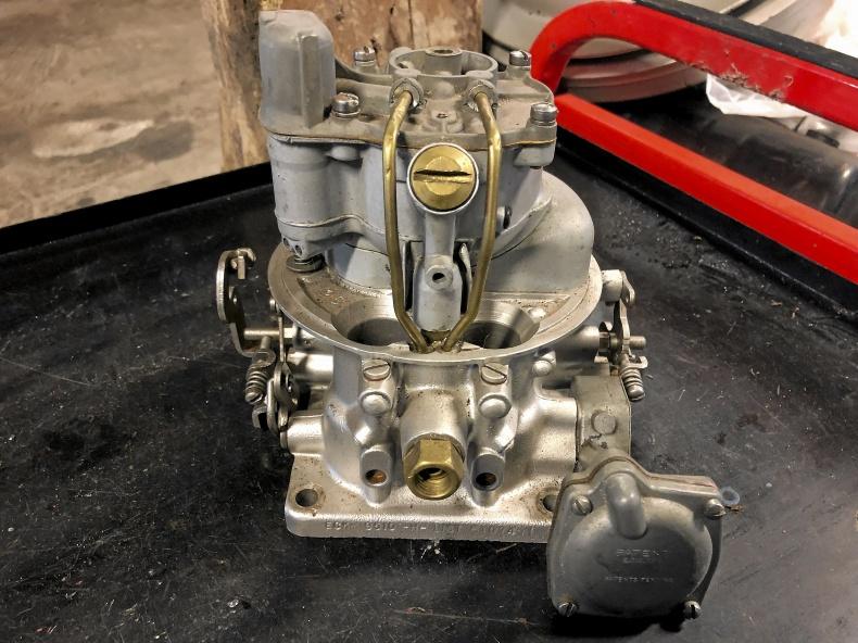 Ford 50-tal Holley-förgasare renoverad