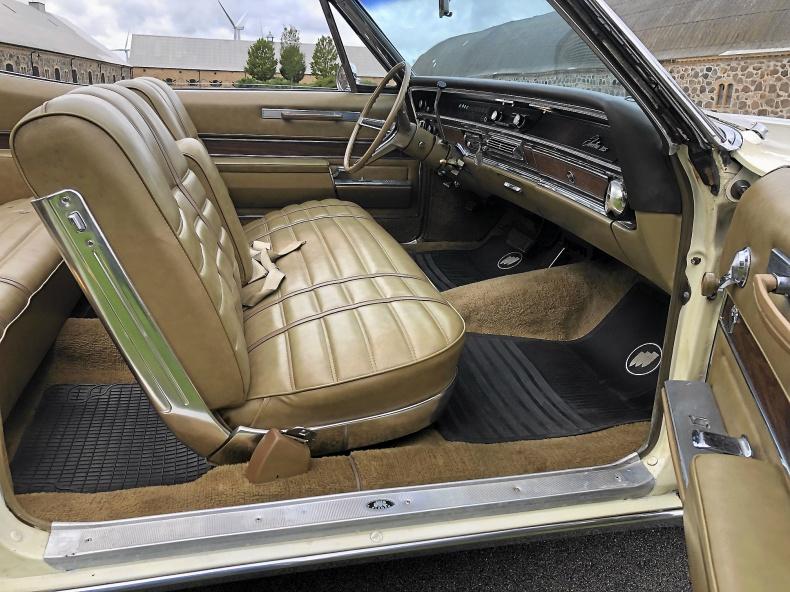 Buick Electra 225 Custom Convertible