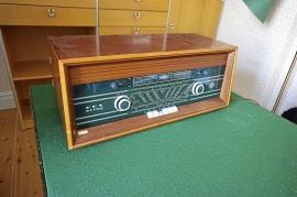 DUX radio typ V 404