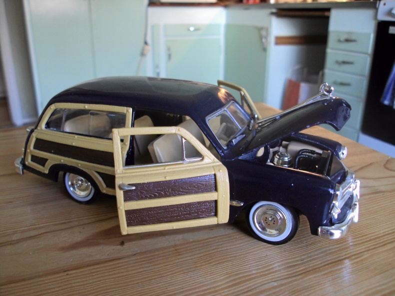 1:24 FORD WOODY VAGON ca. -50