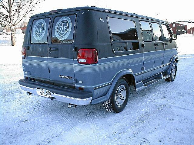 Dodge Ram 2500 Van