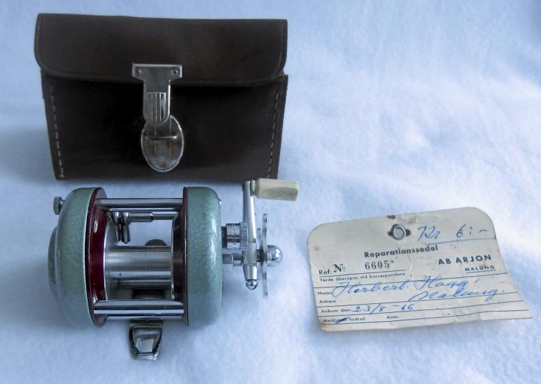 Arjon fiskerulle och Yashica kamera
