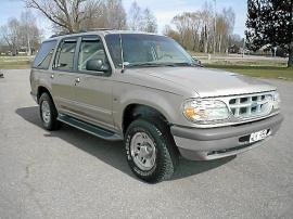 Ford Explorer XLT V8