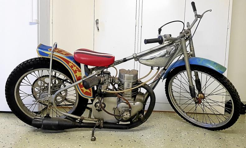 mobile_JAWA Speedway 50-60-tal. Varg Olle