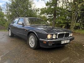 Jaguar xj12 V12