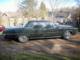 mobile_Chrysler Imperial 4-dr HT