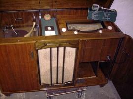 AGA/Centrum Radiogrammofon med mikrofon