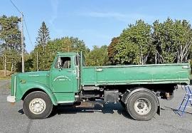 Scania 76:a med omonterad kran