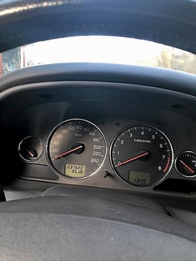 Volvo V40 -04 Godkänd i besiktningen