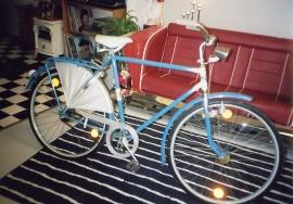 Svenskbyggd Stadion cykel med originaldäck