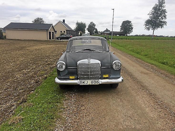 Mercedes Benz 190c Bensin