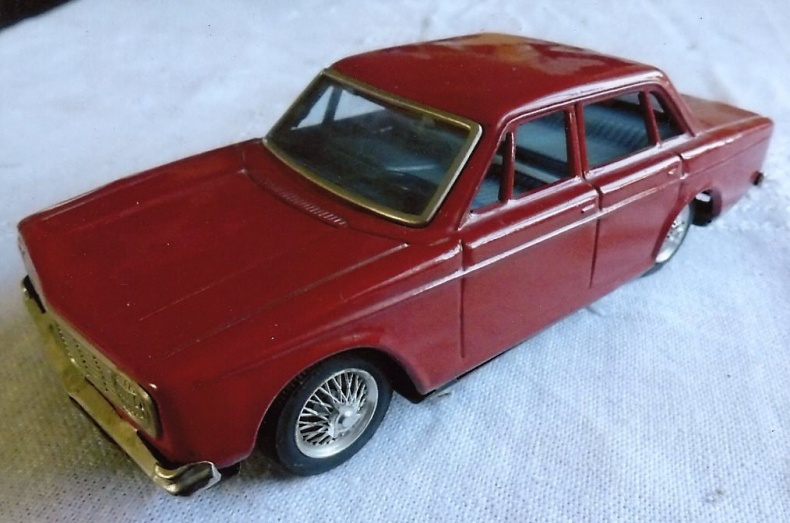 Modellbilar i plåt
