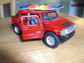 HUMMER 2005 Safari Skala 1:36