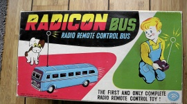 Radiostyrd buss