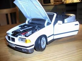 1:18 BMW 325 i Convertible -93
