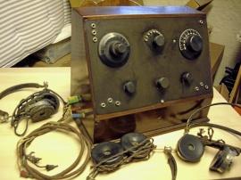 Radiomottagare med 3 st hörlurar