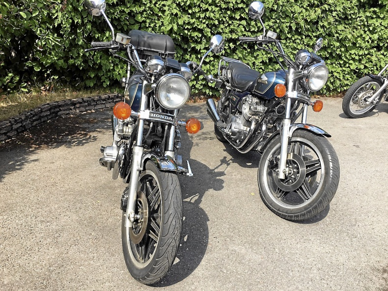 mobile_2 st Honda CB 750C