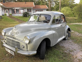 Morris Minor 2 door de Luxe Saloon, 1954
