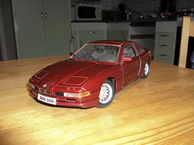 BMW 850 i Skala 1:18