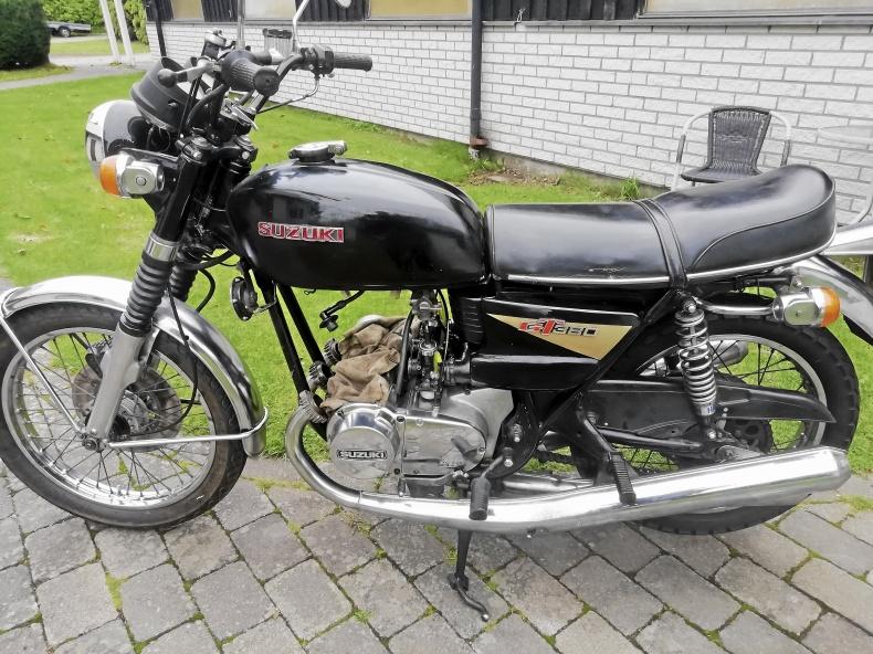 mobile_Suzuki GT 380