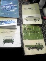 Instruktionsböcker till olika bilar