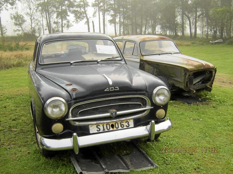 Peugeot 403 bra renoveringsobjekt samt reservdelsbil
