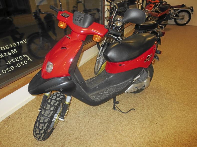 Moped Peugeot Trekker