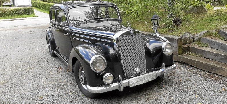 Mercedes-Benz 220 w187