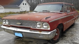 mobile_Ford Country Sedan