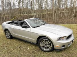2010 Ford Mustang Cab