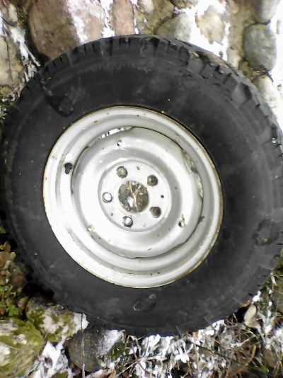 Reservhjul och navkapsel till Mercedes-Benz