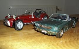1:24 Mustang cabriolet -64 + 1:18 Lotus cab -57