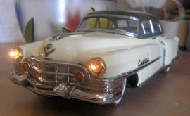 Cadillac 1951 plåtbil