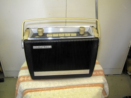 Gammal Blaupunkt Derby transistorradio.