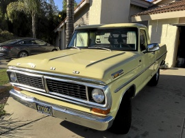 Ford F100 shortbed pickup